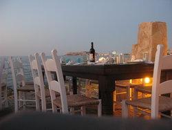 Греция готова снизить цены в ресторанах для привлечения туристов